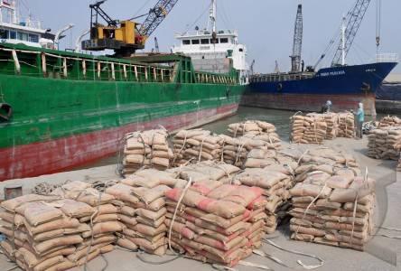 Menyewakan Kapal Kargo Dan Tongkang Ke Seluruh Indonesia
